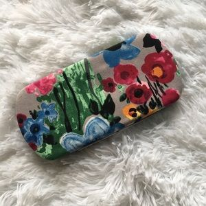 Thirty one floral clasp wallet